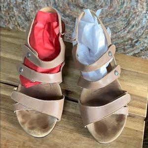 Romika heel sandal in tan size 38